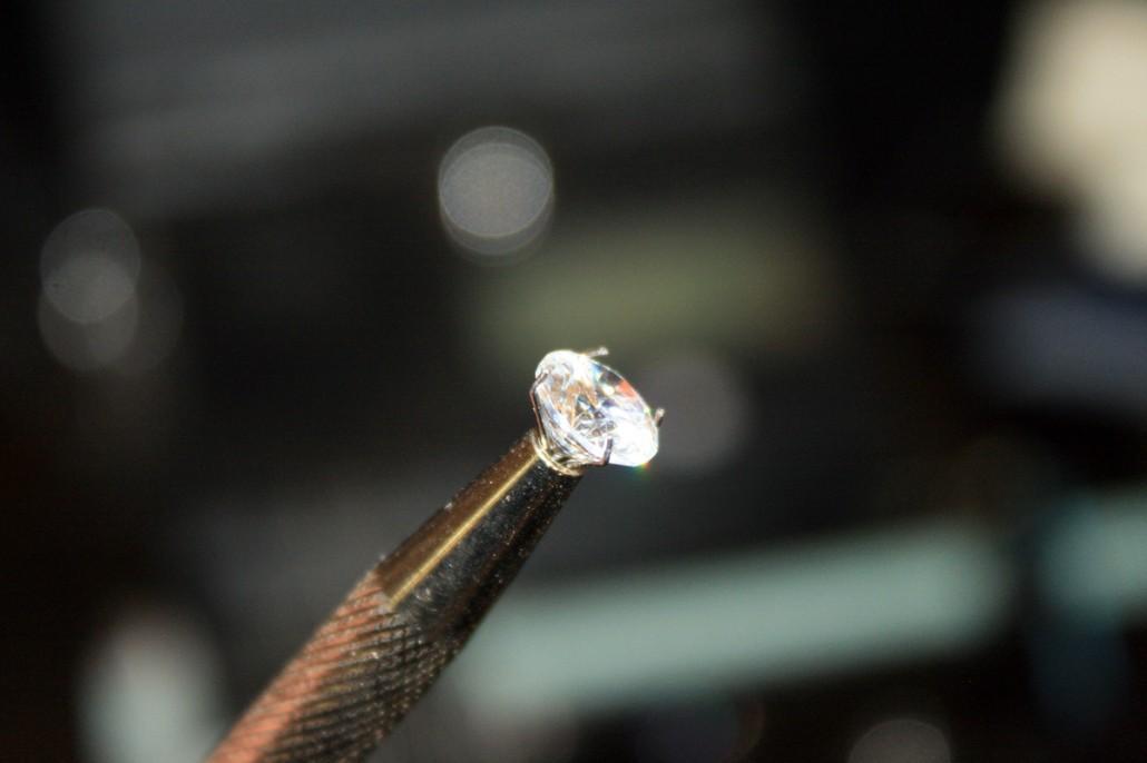 Dijamant na držaću