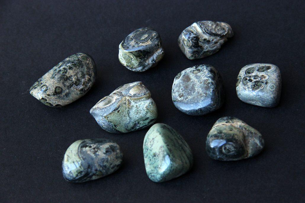 Kamamba jaspis, kamen