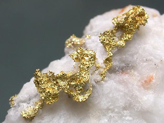 mineral zlato