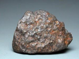 Staklasta kora na meteoritu