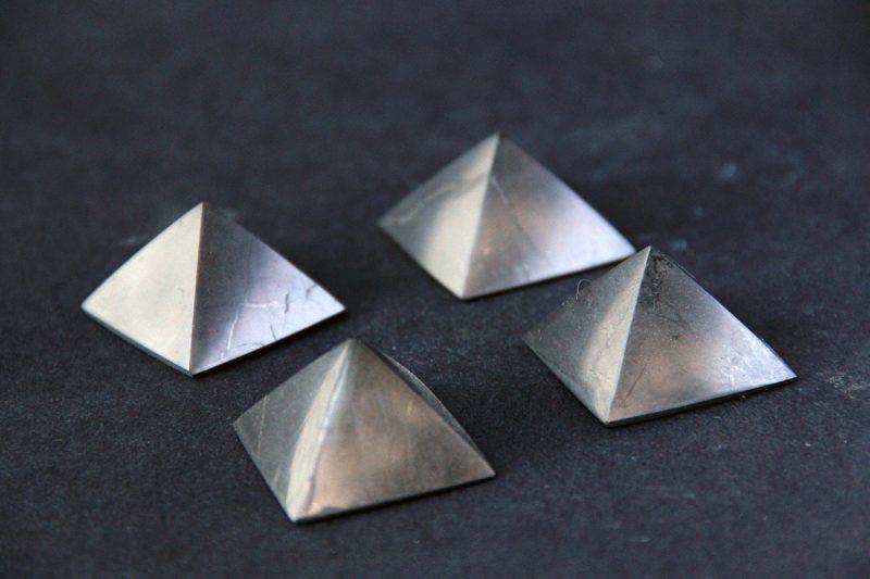 piramida od šungita
