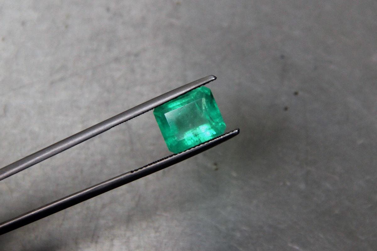brušeni Smaragd