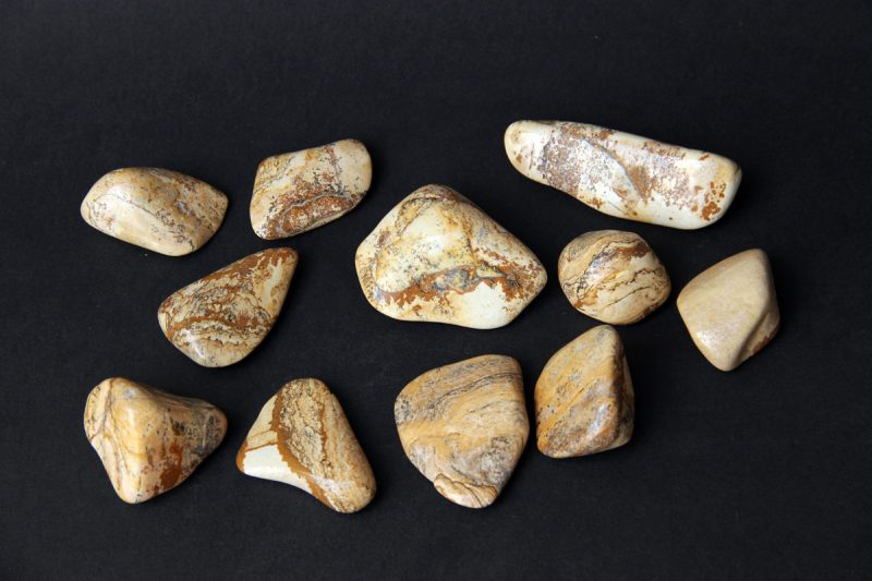 kamen Zemljani jaspis