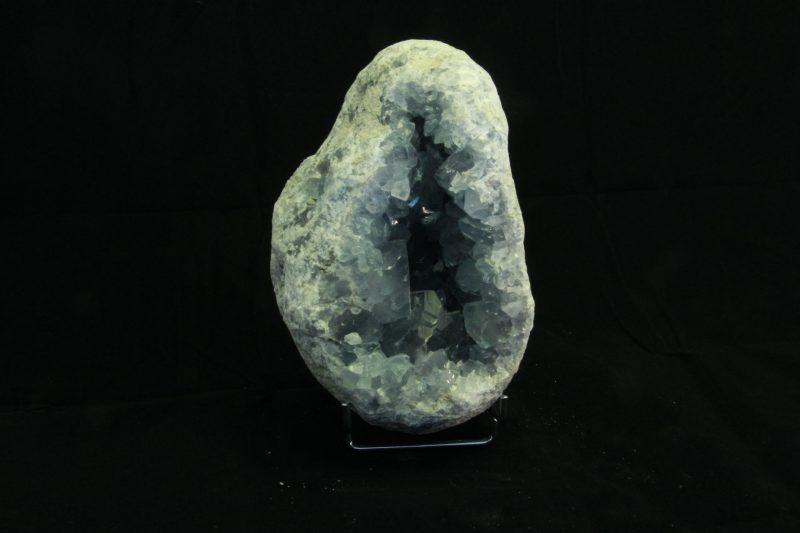 celestin geoda, mineral, poludragi kamen