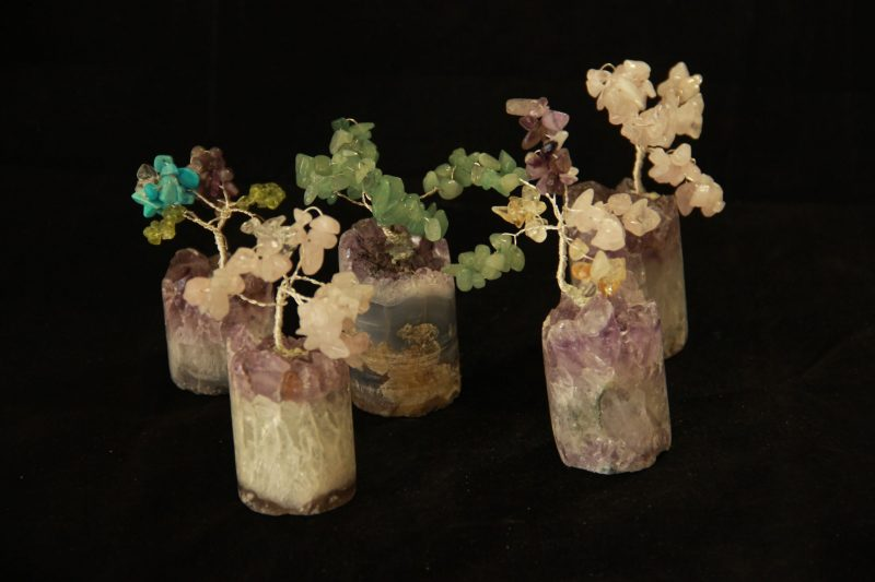 ukrasni predmet, drvo od raznih minerala