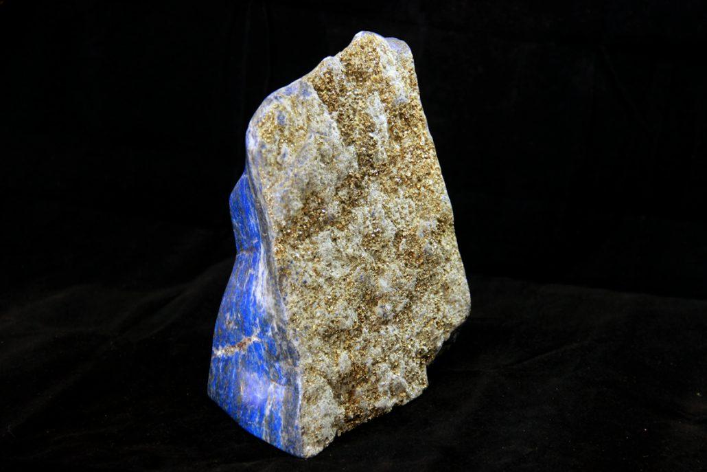 Lapis lazuli mineral