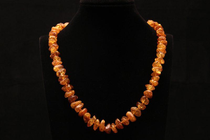 jantar ogrlica, mineral