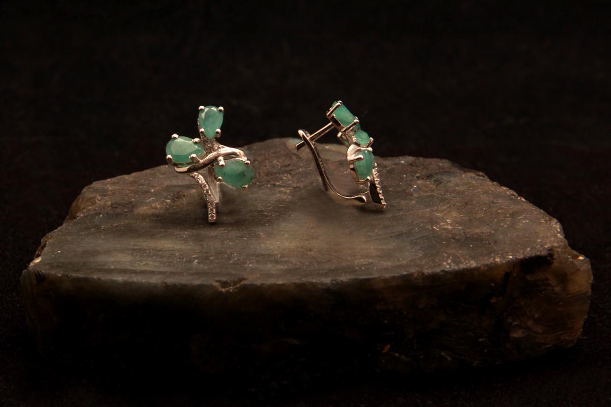 Smaragdne naušnice