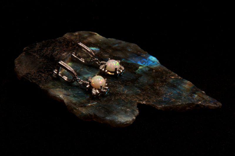 opalne naušnice