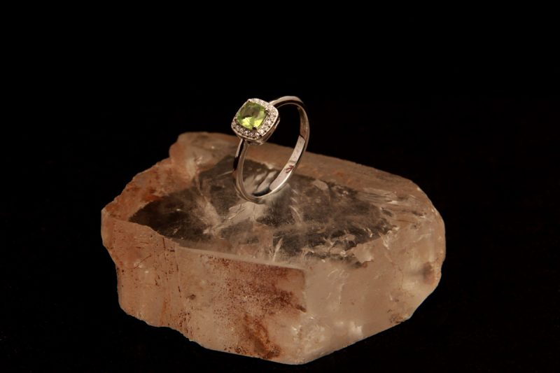 prsten, srebro, peridot