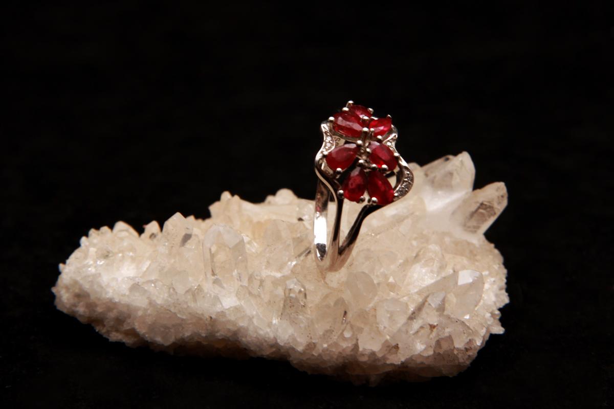 Rubin na prstenu