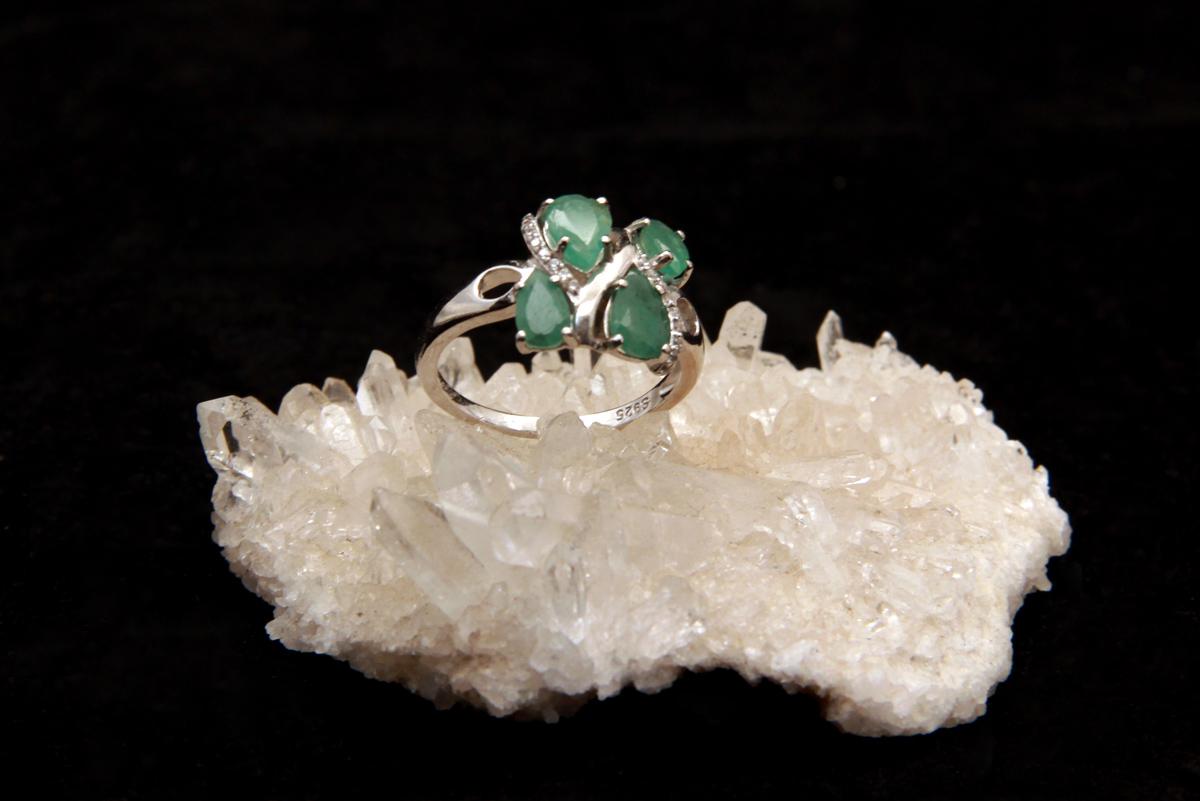 Smaragdni prsten