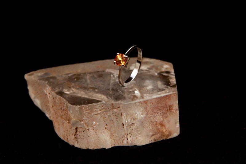 prsten sa citrinom