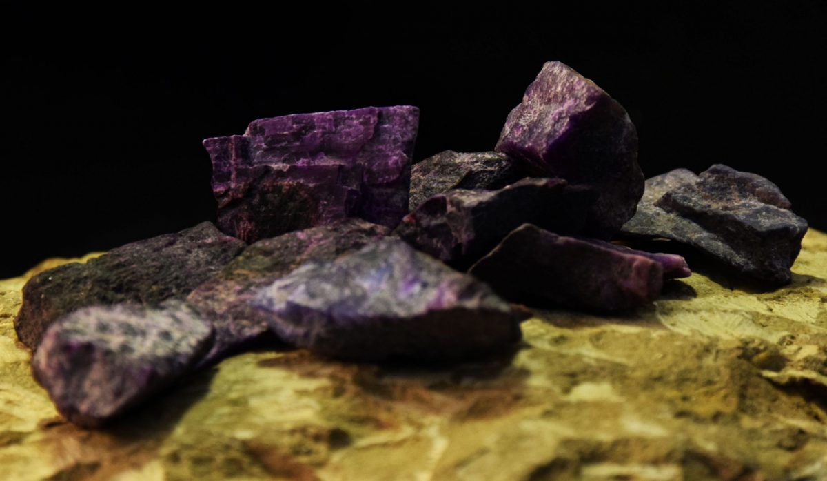 mineral Sugilit