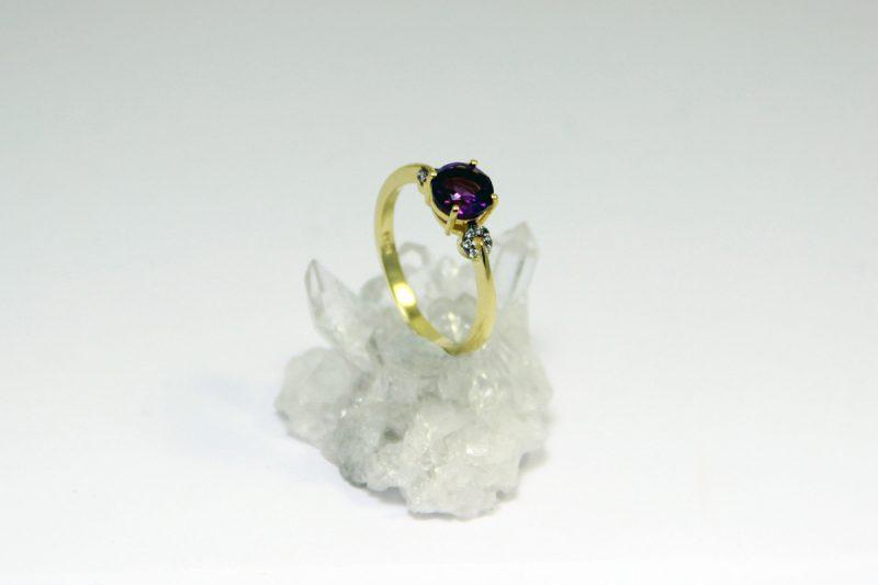 ametist prsten