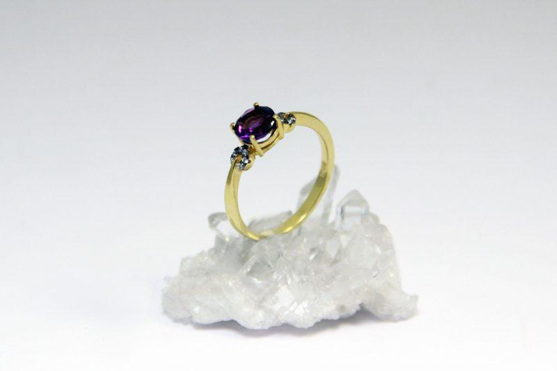 prsten ametist