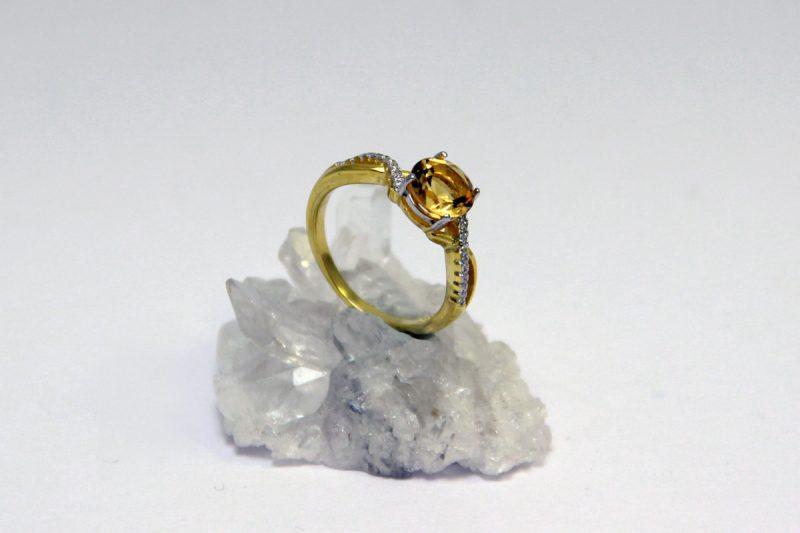 prsten citrin