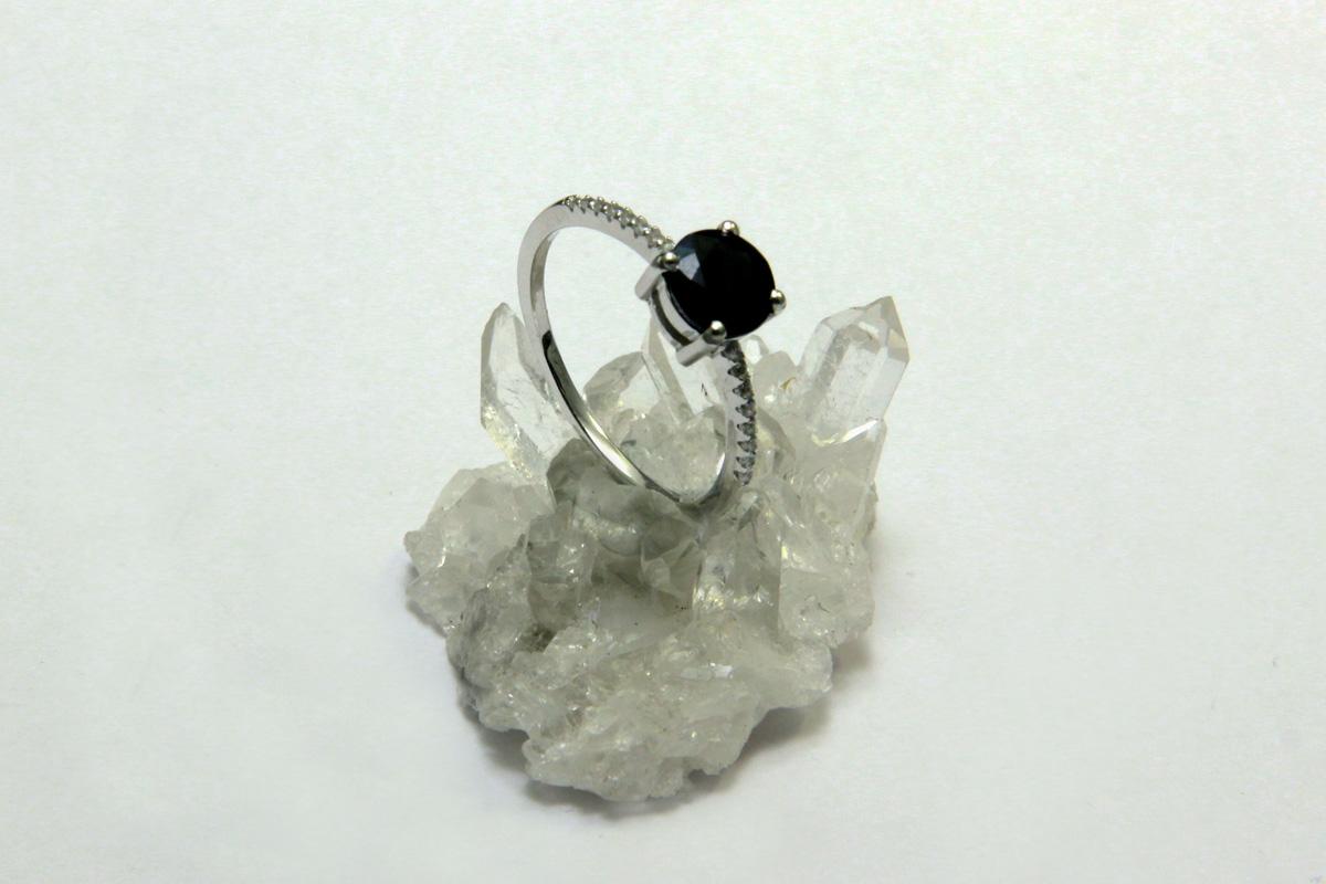 prsten safir