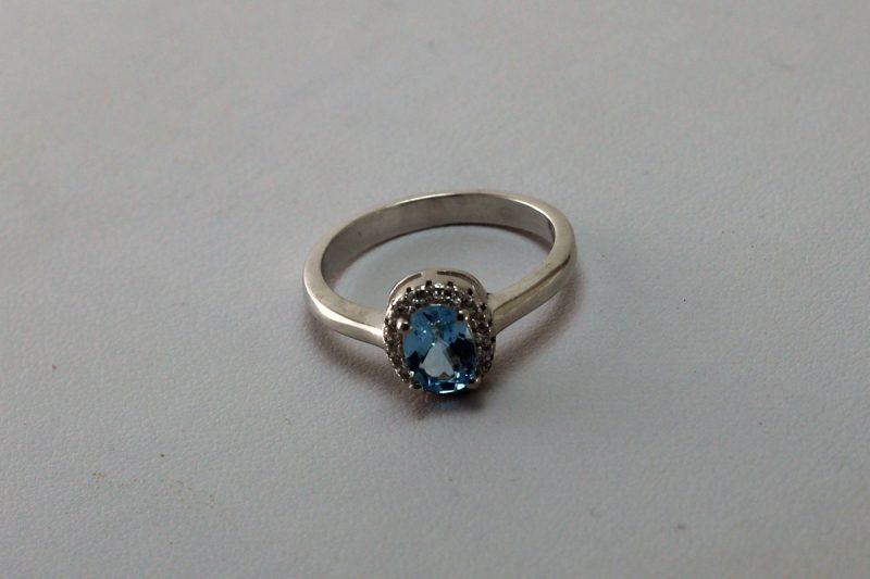 Prsten topaz i srebro