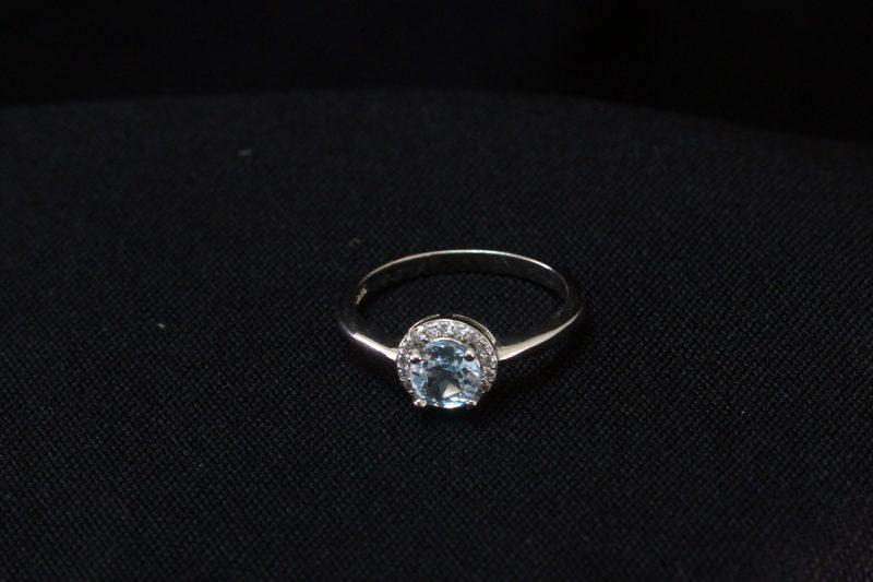 prsten topaz