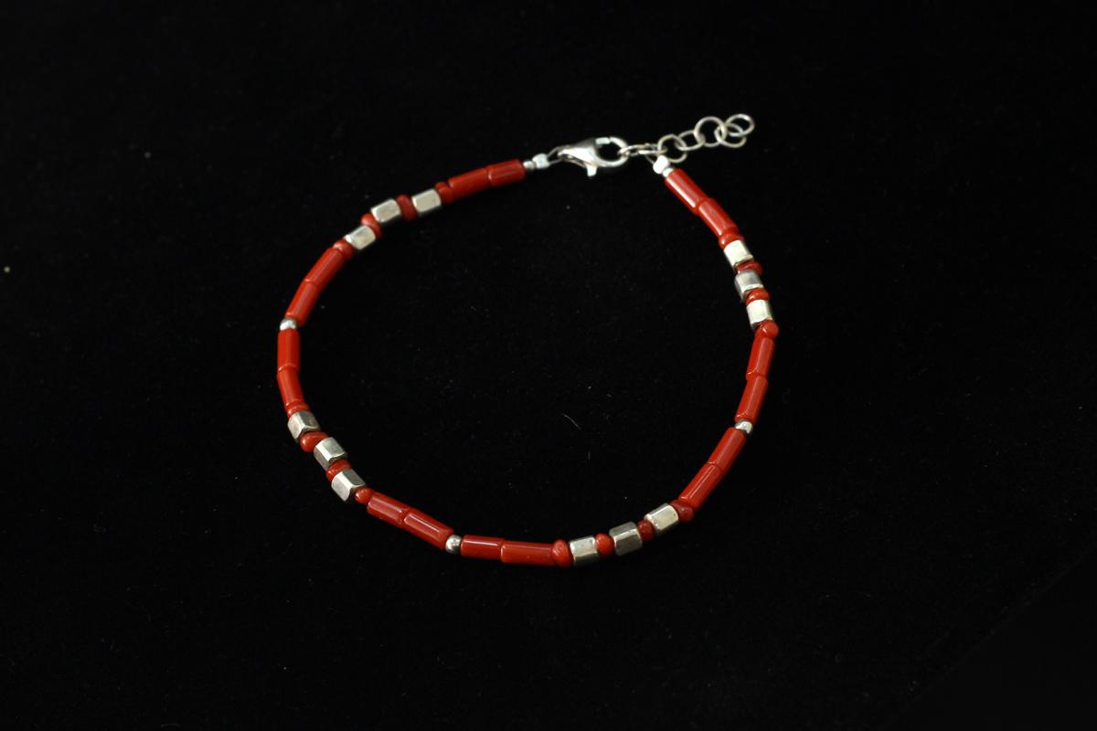 Narukvica od crvenog Jadranskog koralja i srebra