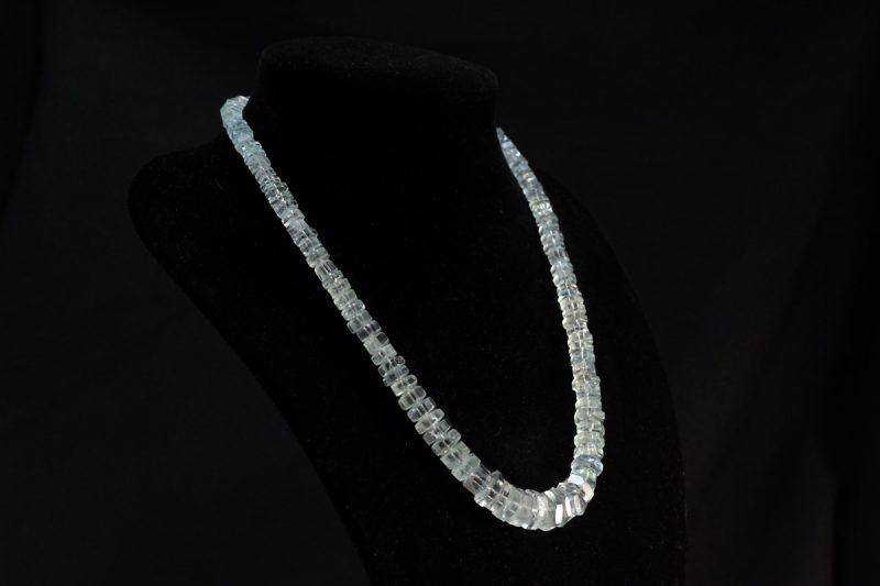 Akvamarin ogrlica