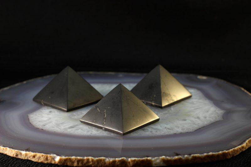 Piramide šungit