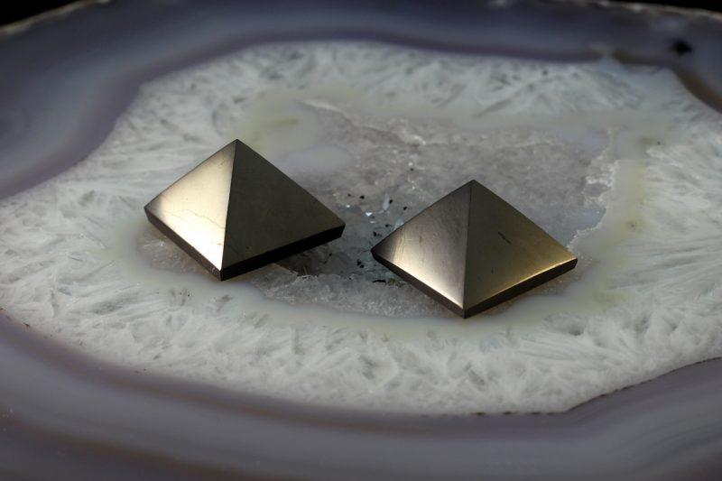piramida šungit