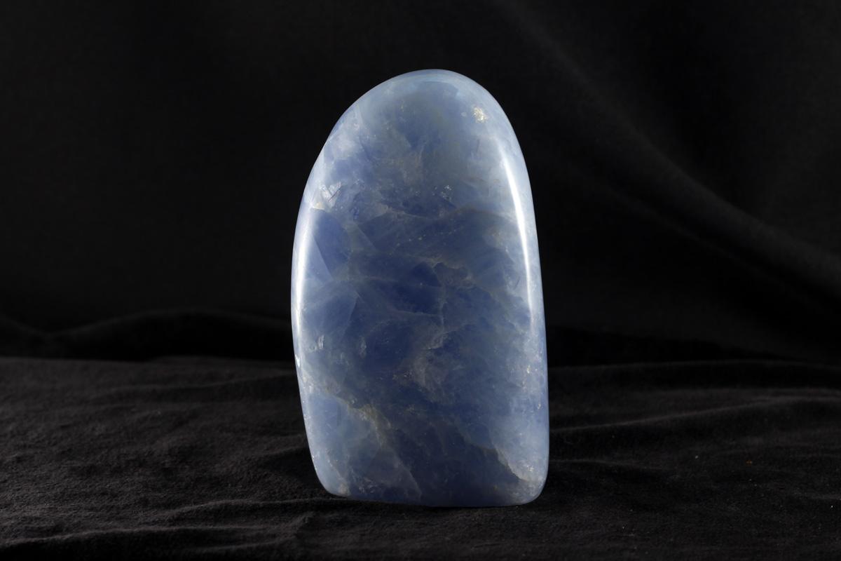Oblutak plavog kalcita