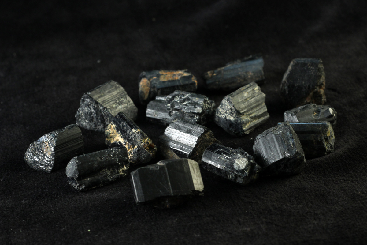 crni turmalin 10 g