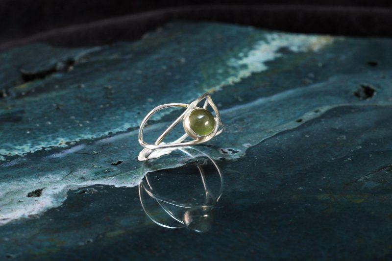 Unikatni prsten mačje oko