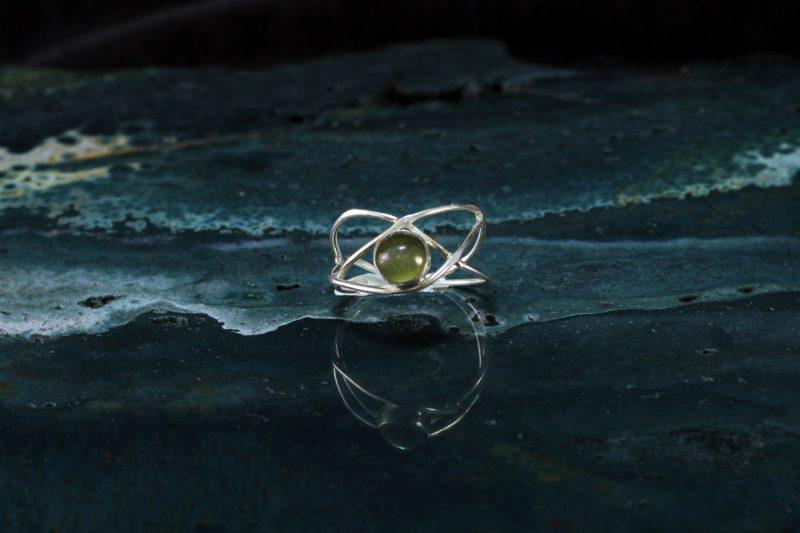Unikatni prsten srebro mačje oko