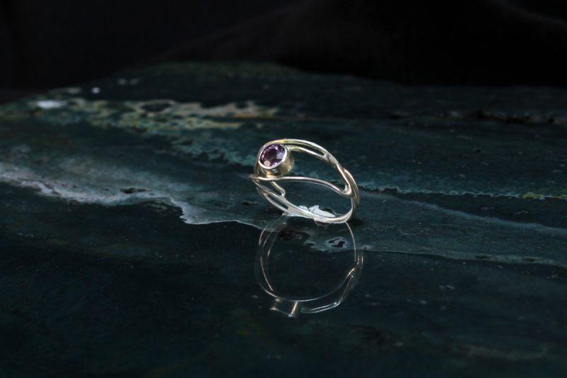 Unikatni srebrni prsten sa spinelom