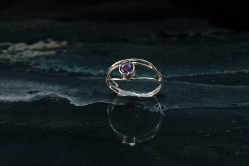 Unikatni prsten srebro spinel