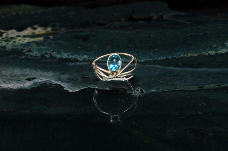 Unikatni prsten srebro i topaz