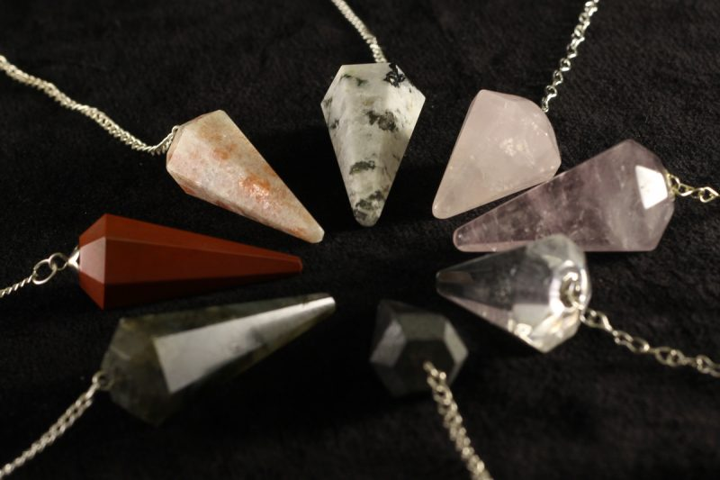 Visak razni minerali
